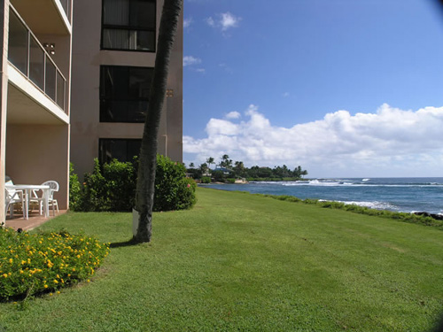 View of ocean looking east at Lanai